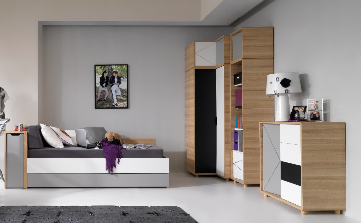 kommode 3 colors qmm traummoebel. Black Bedroom Furniture Sets. Home Design Ideas