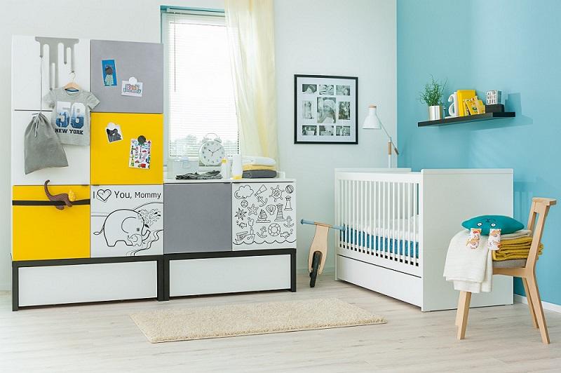 kommode mit schubladen baby black white mit podestelement qmm traummoebel. Black Bedroom Furniture Sets. Home Design Ideas